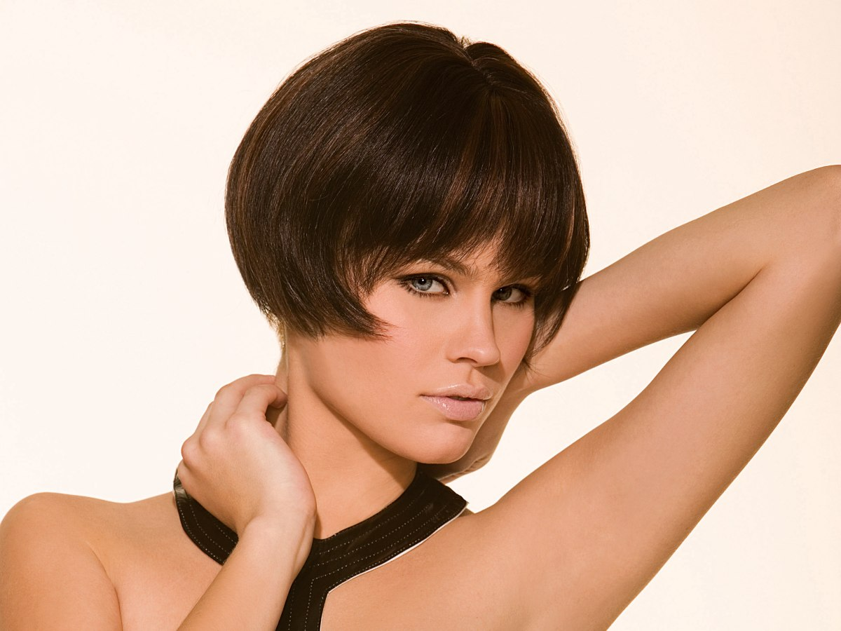 Bobbed Hair Styles: Very Short Bob With Points That Curl In From The Side