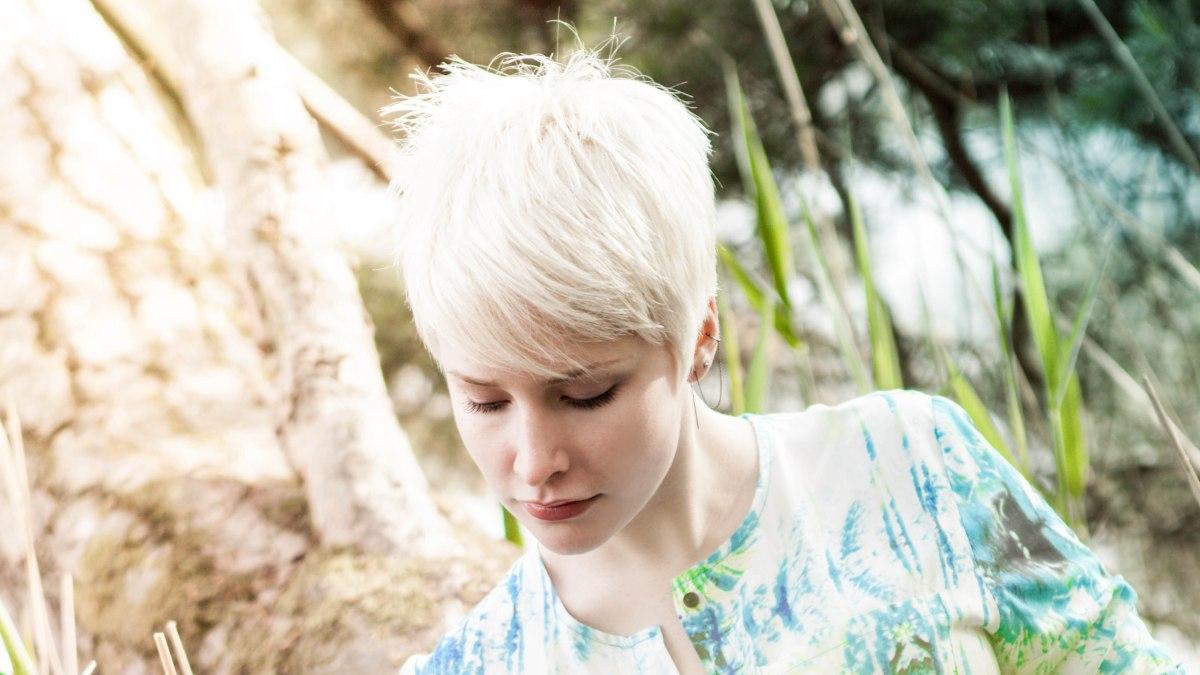 Pixie cut for bleached blonde hair