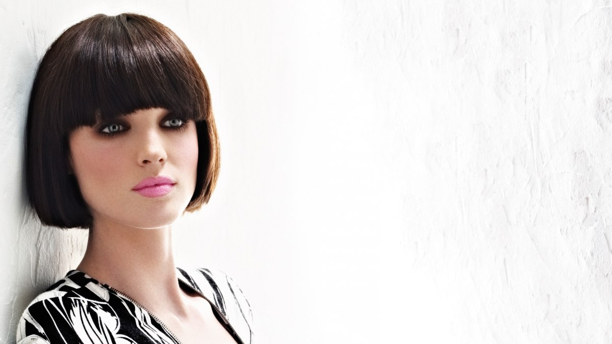 Classic short bob with a rounded fringe and beveled cutting line