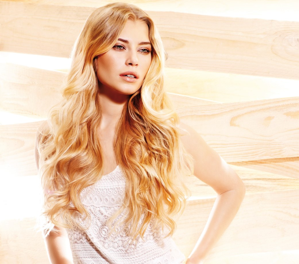 Waist Length Hairstyle For Blonde Hair That Looks Natural