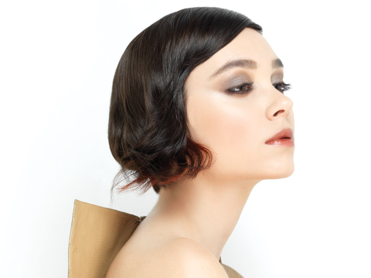 Modern Bob In A Smooth Vintage Version With Hair That