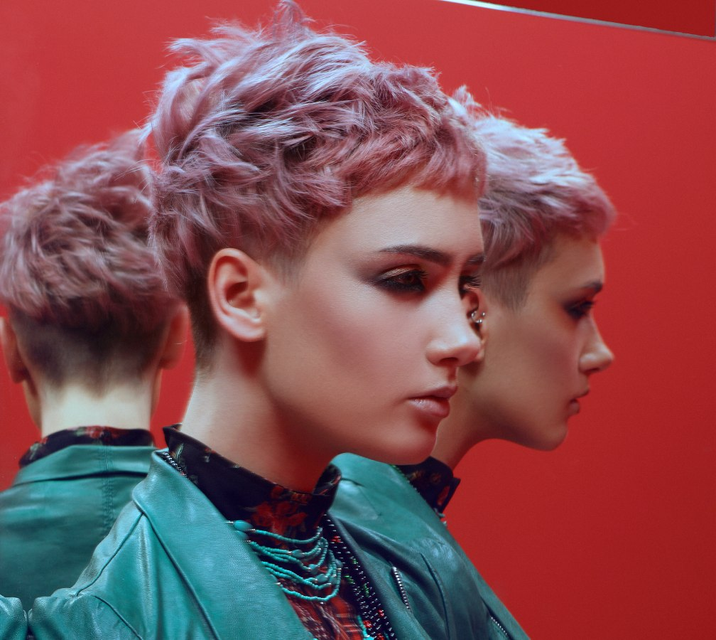 Short Crop With A Super Short Neck In A Lilac Or Purple Hair Color