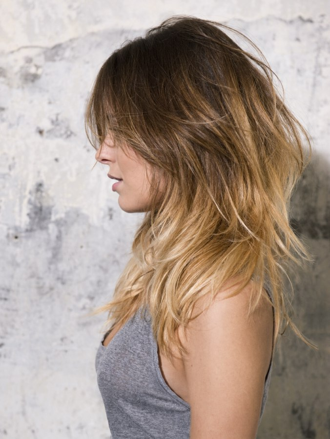 Casual Long Hairstyle With Layers, Light Blonde Tips And A