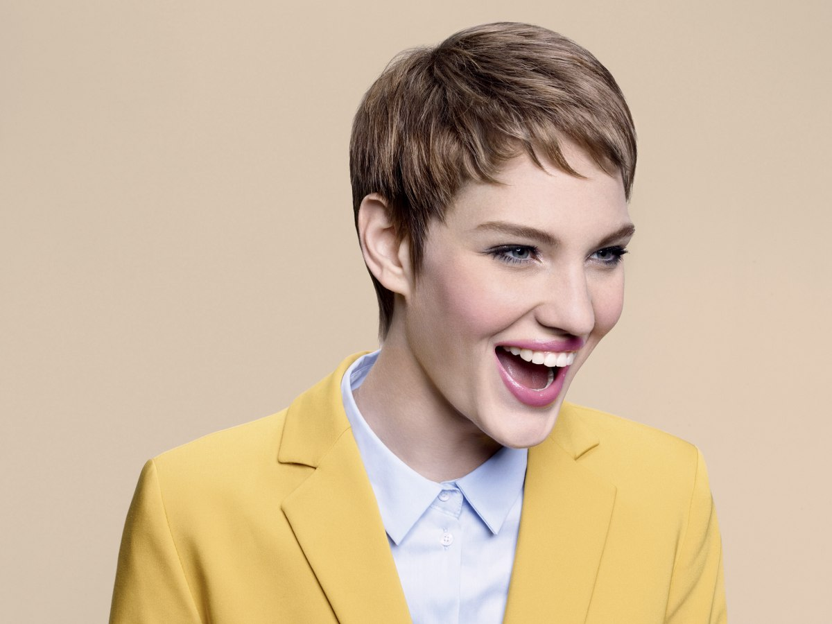 Professional Short Pixie Cut With Short Bangs