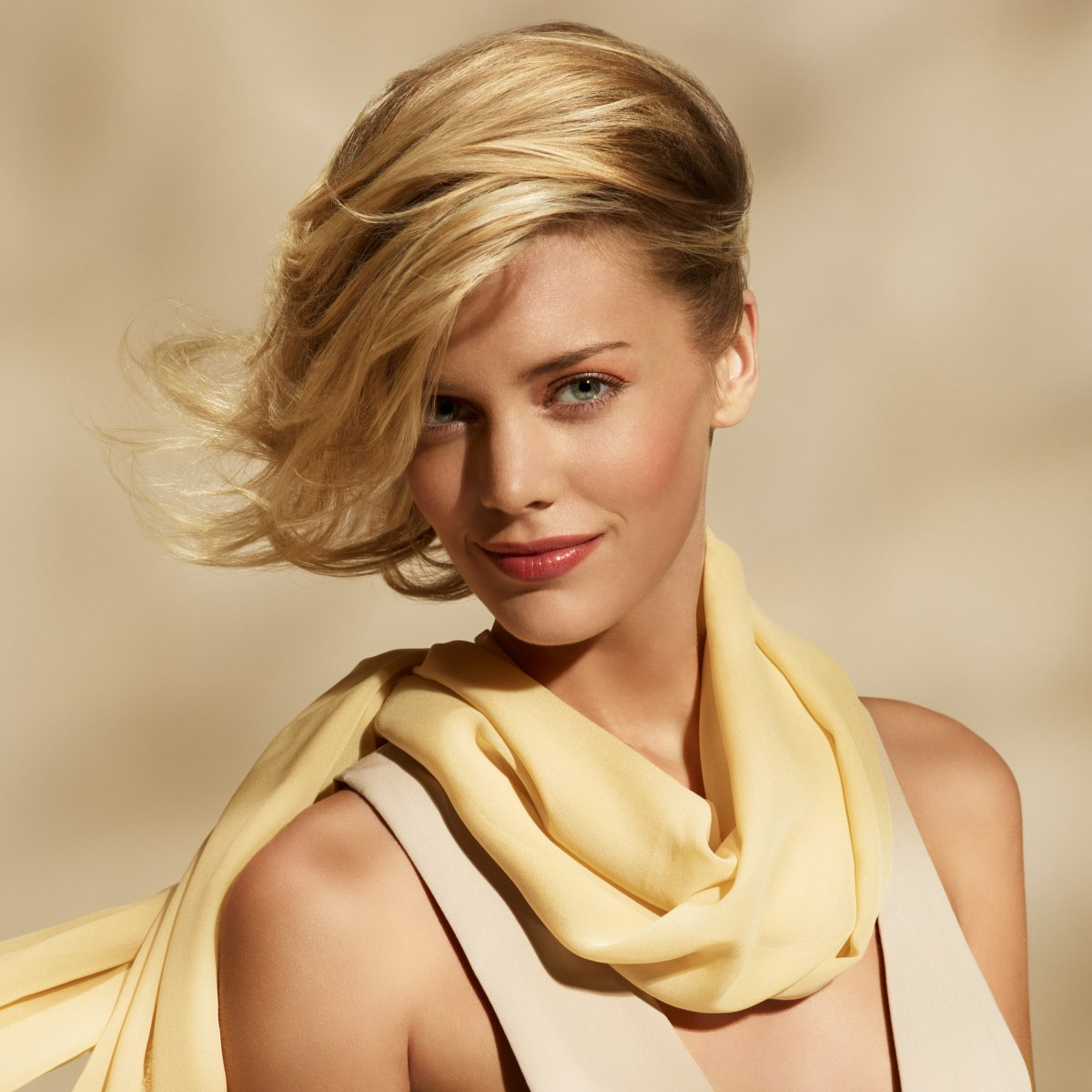 Short Hairstyle With The Hair Pulled To One Side
