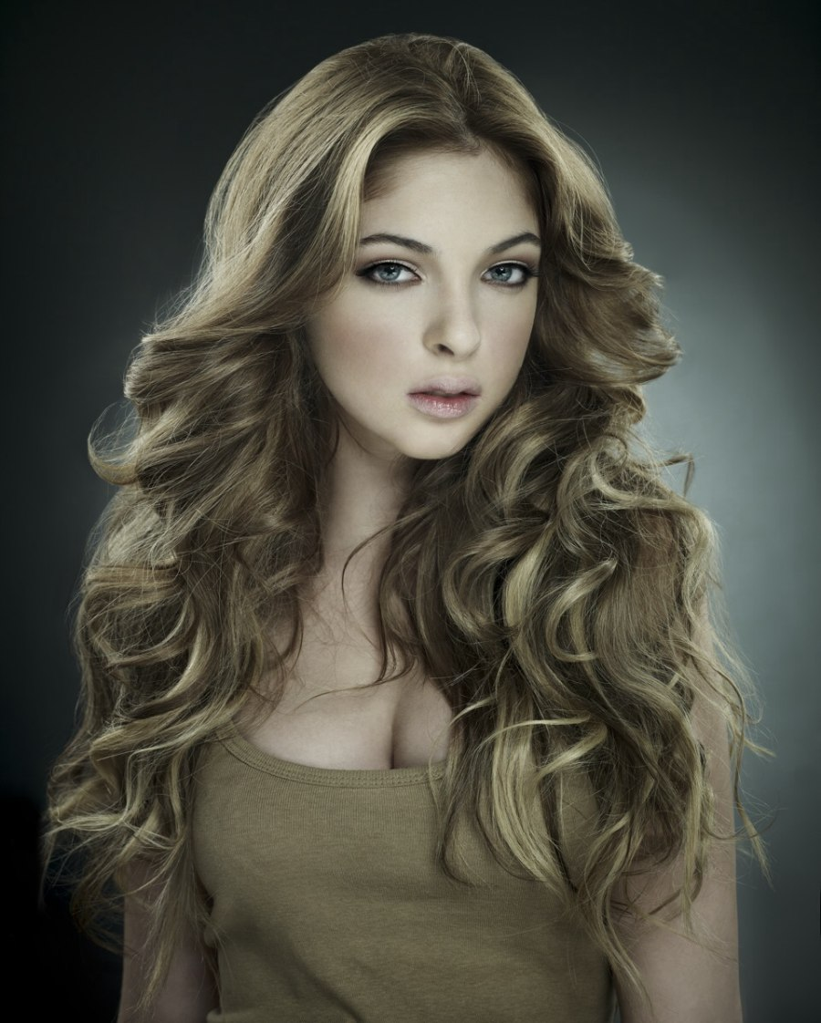 Images Of Hairstyles Long Hair: Very Long Extensions Hairstyle With A Brushed Top Section