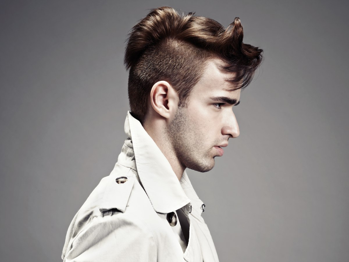 1920s haircut for men, with short clipped sides