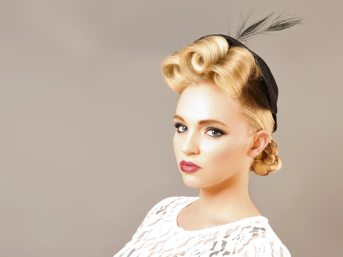 Vintage Hair Styles For Short Hair: Retro Hairstyle With Curls And Rolled Braids