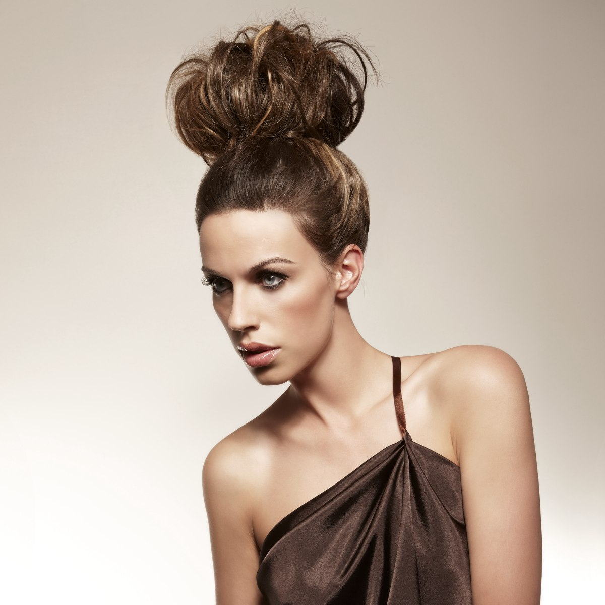 1950s Inspired Updo With Giant Pouf On Top Of The Head