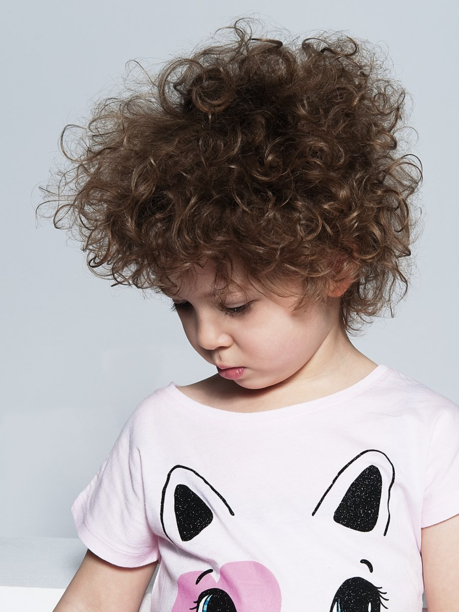 Childrens' haircut to take care of large curls
