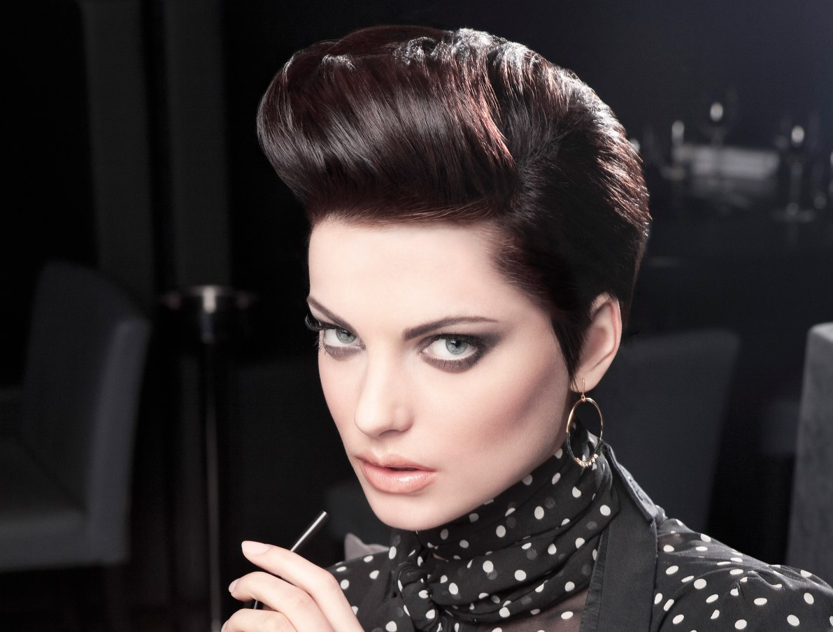 Vintage Hair Styles For Short Hair: Short Haircut With A Retro Quiff Shape And Hair That