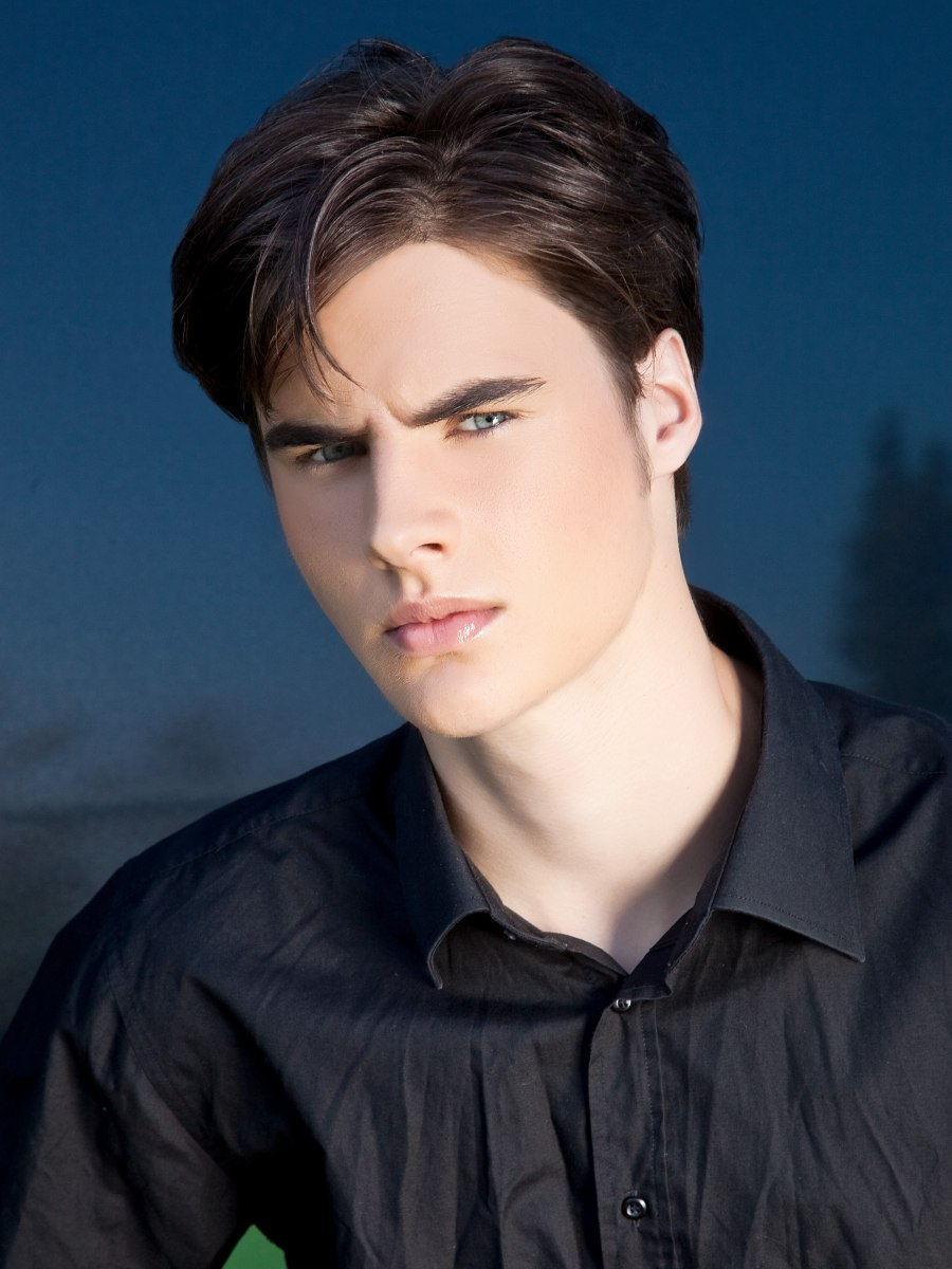 Trendy Haircut With A Short Neckline And Ear Revealing Sides For Men
