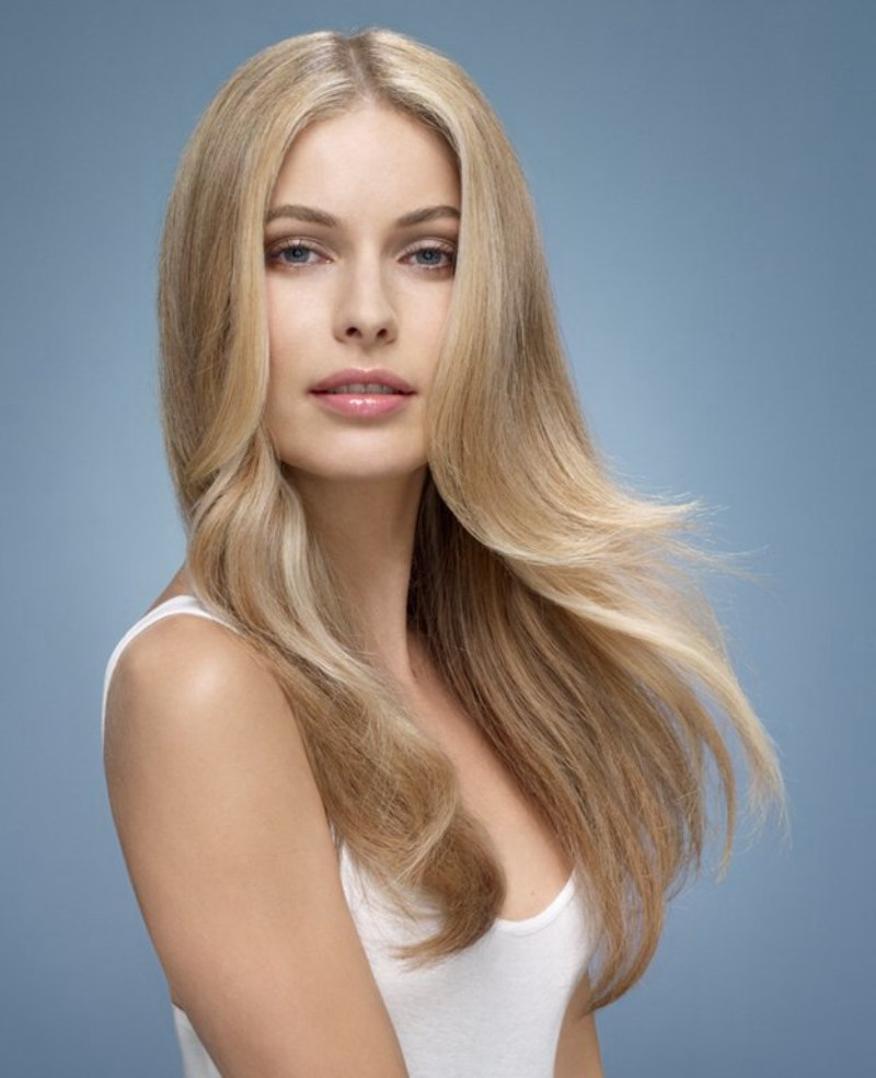 Very Long Hairstyle With Layers For A Rich Girl Look