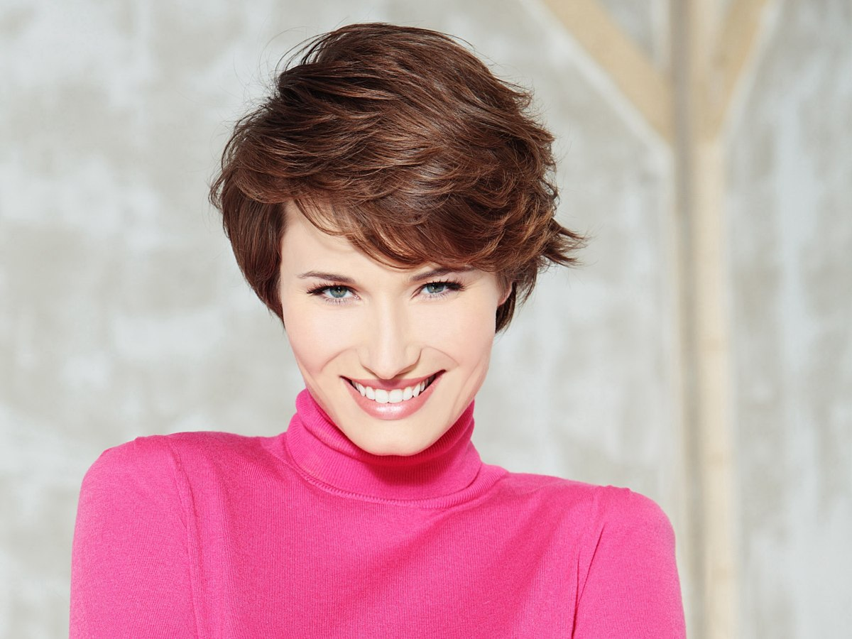 G Style Hair City: Light And Fluffy Short Haircut For Women With A Natural Curl