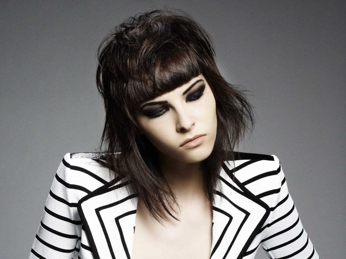 Hair Styles That Are In: Rocking Hairstyle Inspired By Joan Jett And The Short