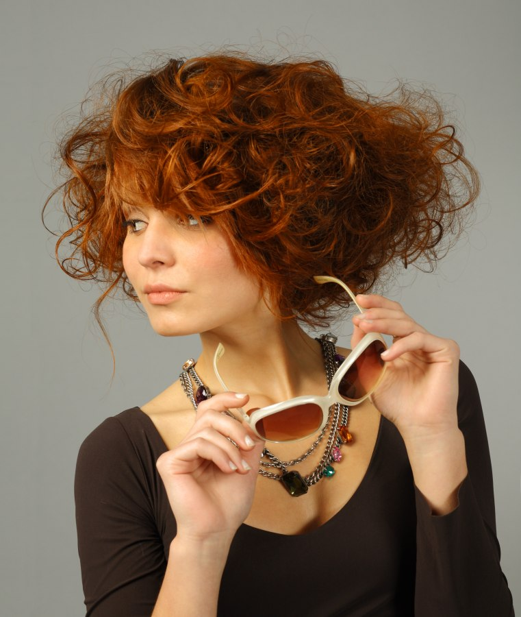 Admirable Short Hairstyle With Curls That Provides A Long Neckline Hairstyles For Women Draintrainus
