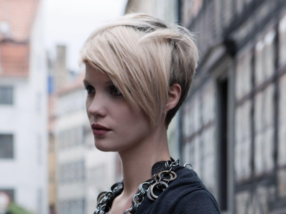 Hair Cutting Styles: Sensual Short Fashion Haircut, Cut With High Precision