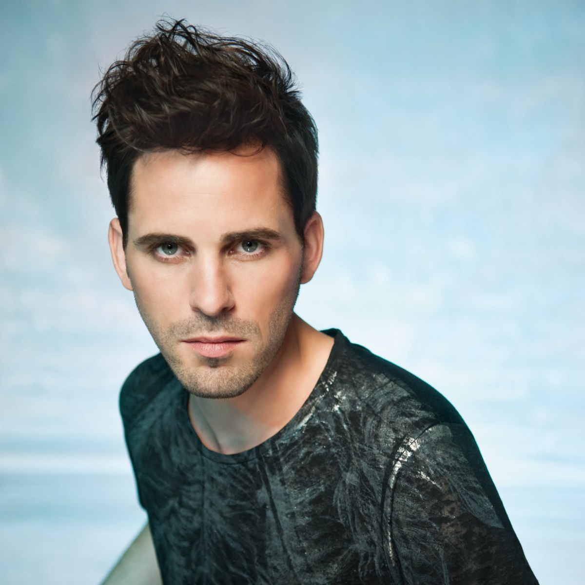 Men's Hairstyle With A Puffy Kneaded Quiff