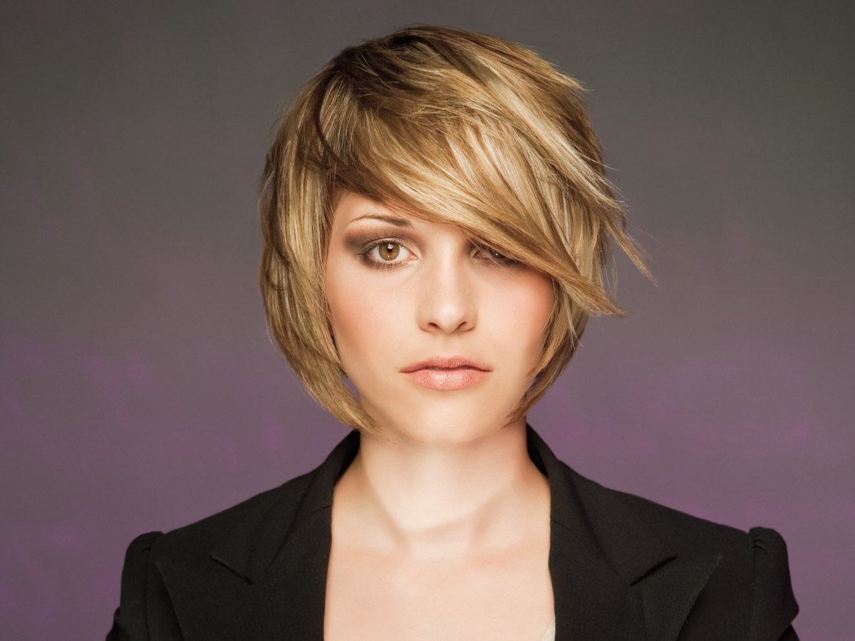 Layered Short Haircut With A Round Shape That Hugs And