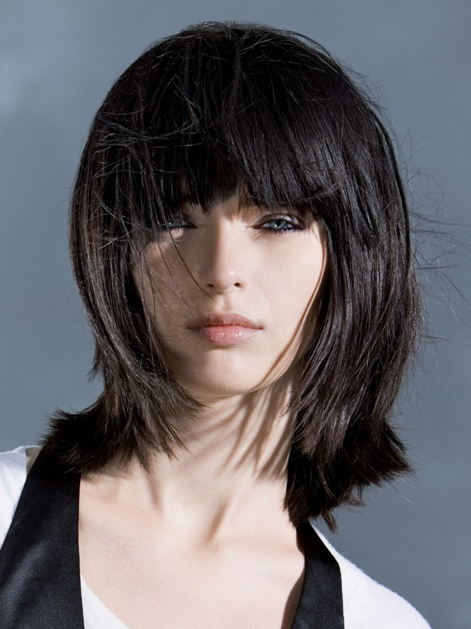 Mid Length Textured Hairstyles Trendy Long Bob With A Cutting Line Close To The Shoulders