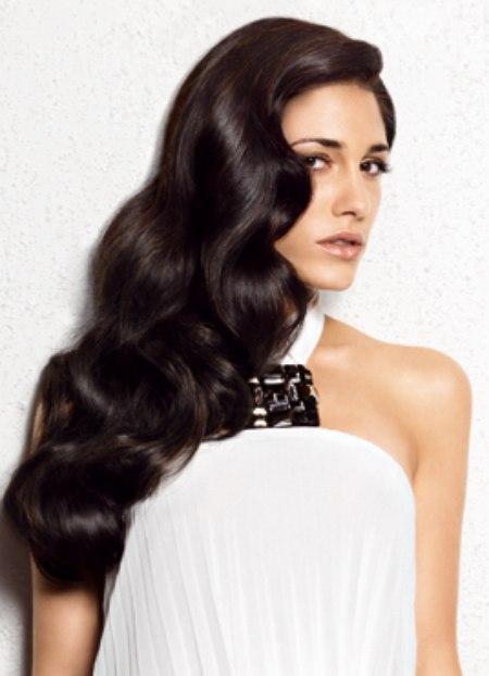 Long sable hair rolling in sensual waves - Deep Wave Hairstyles