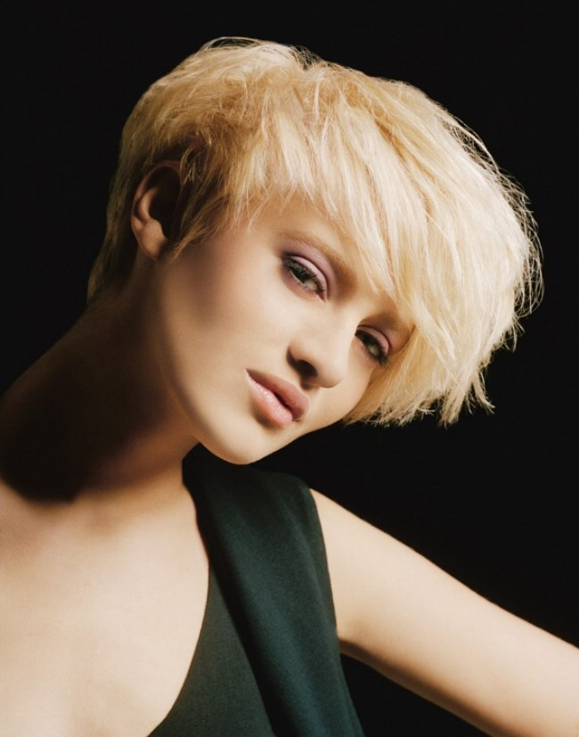 Short Hair With A Graduated Neckline And Longer Layered