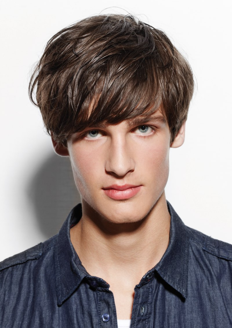 60s Inspired Mushroom Hairstyle For Men