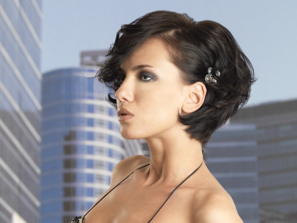 Dressy Short Hairstyle Pulled Into Shape Close To The Neck
