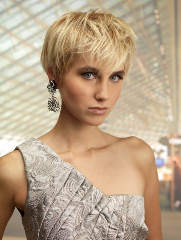 fashionable short haircut Fashionable short haircut for