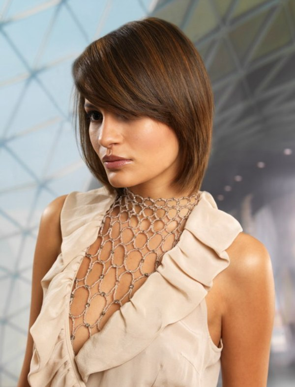 Medium long hair cut with an S-curve that flows to mid-neck length
