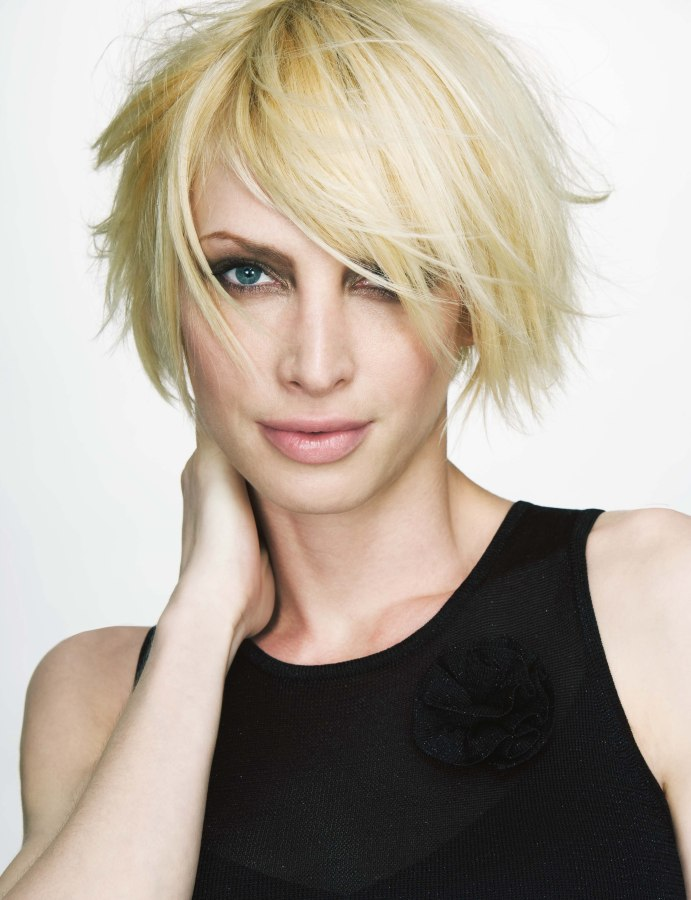 Cool Kneaded And Tousled Bob With A Lot Of Texture Short Hairstyles Gunalazisus