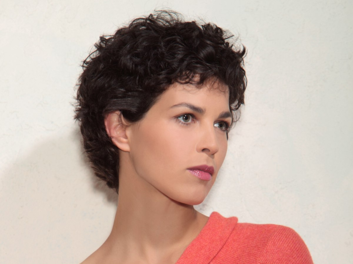 8 Hairstyles: Natural Curls Cut Short To The Same Length All Around The Head