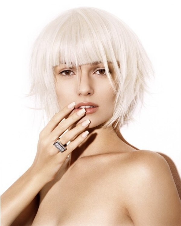 Pearl Colored Bob With Blunt Cutting Lines White Hair