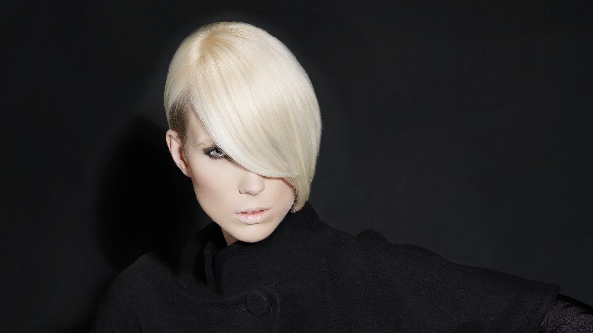 sleek short silky hairstyles hair hairstyle fringe hairfinder hairstyles8 sloped
