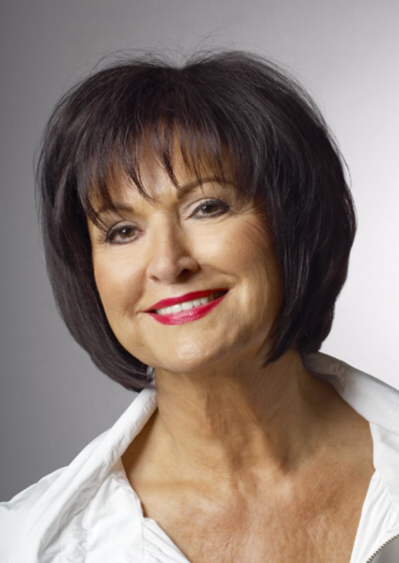Bob Cut For Older Women With Finer Hair