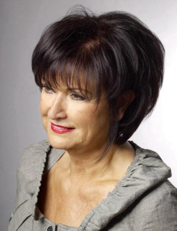 Стрижки на средние волосы для среднего возраста