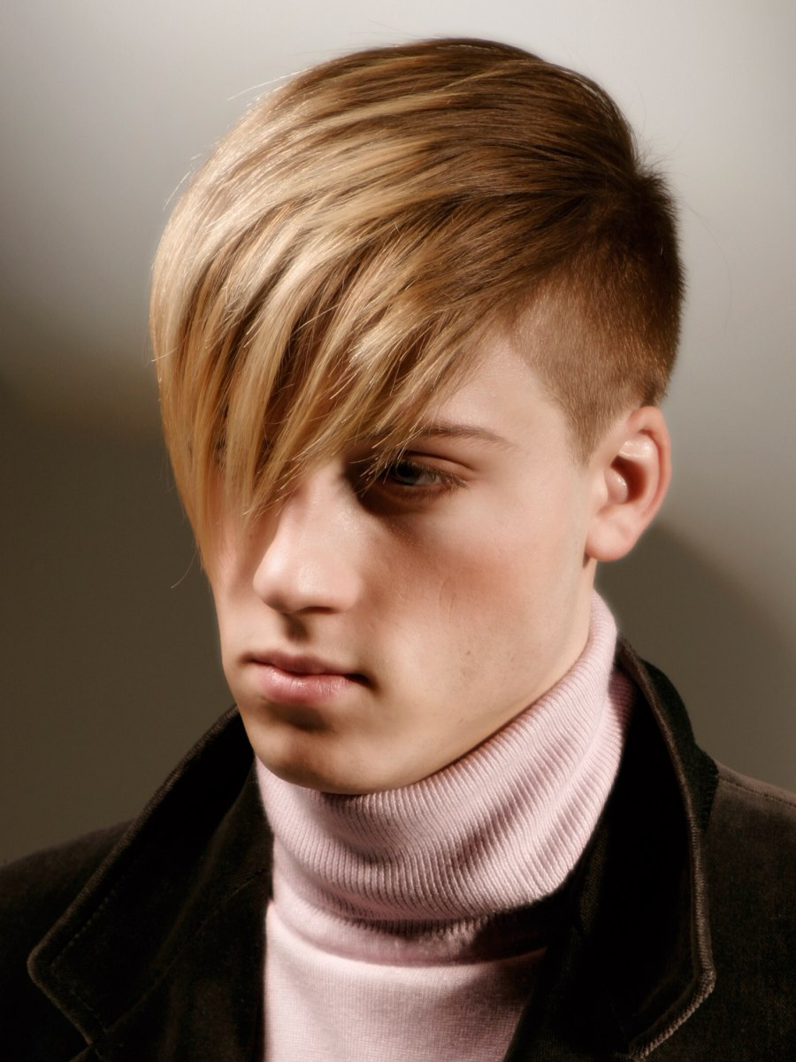 Comb-over Hairstyle For Fashion Conscious Men