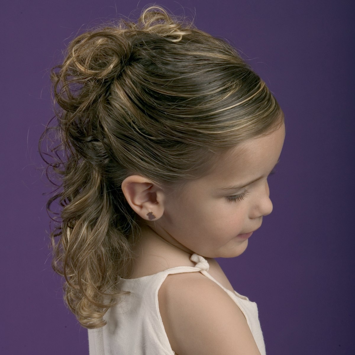 Simple Partial Up Style For Little Girls With Natural Curl