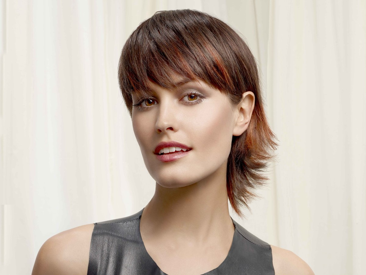 Short Hairstyle With Extra Length In The Neck