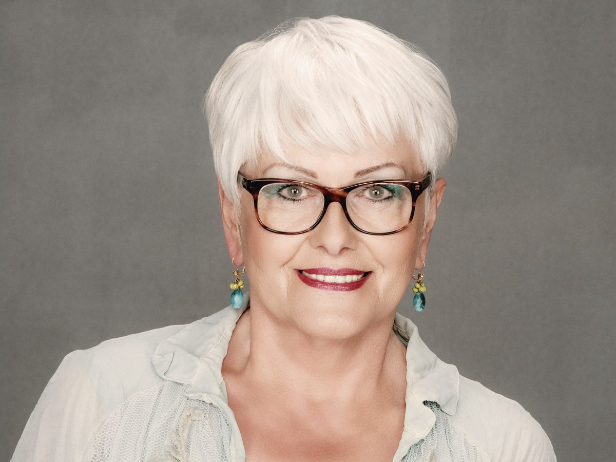 Pleasing Short Haircut For Older Women With White Hair Who Wear Glasses Hairstyle Inspiration Daily Dogsangcom