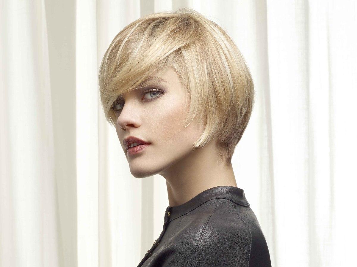 Sensational Short Haircut With A Short Neck And Several Shades Of Blonde Short Hairstyles Gunalazisus