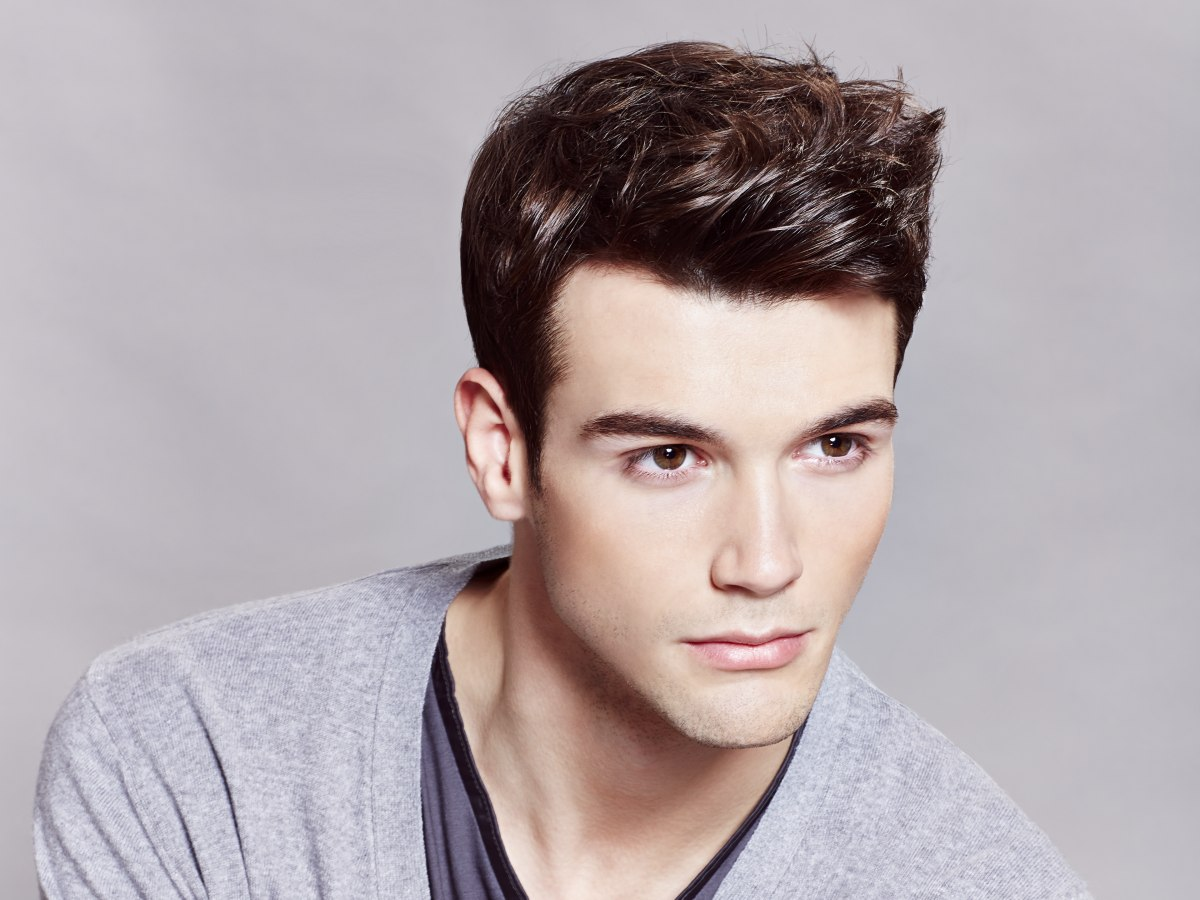 Short Men S Haircut With A Slick Wave In The Fringe