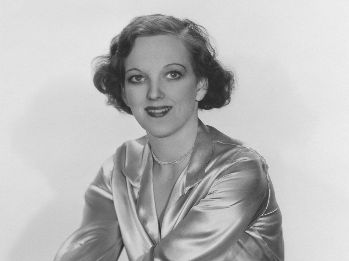 Hair for women and men of the 1930s