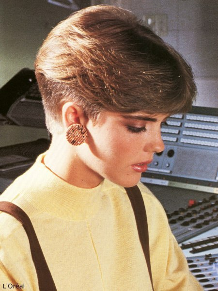 Groovy 1980S Short Nape Haircut Inspired By The Pageboy Short Hairstyles Gunalazisus