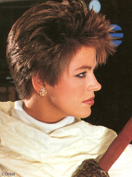 Spiky short 80s hairstyle with layers