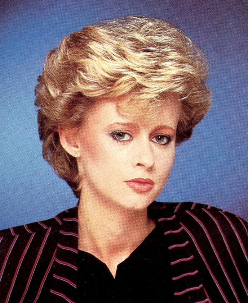 Short Graduated 1980s Haircut