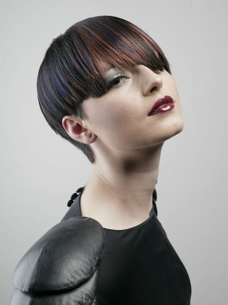 Fabulous Hairdressing For An Androgynous Look With Strong Shapes And Femininity Short Hairstyles Gunalazisus
