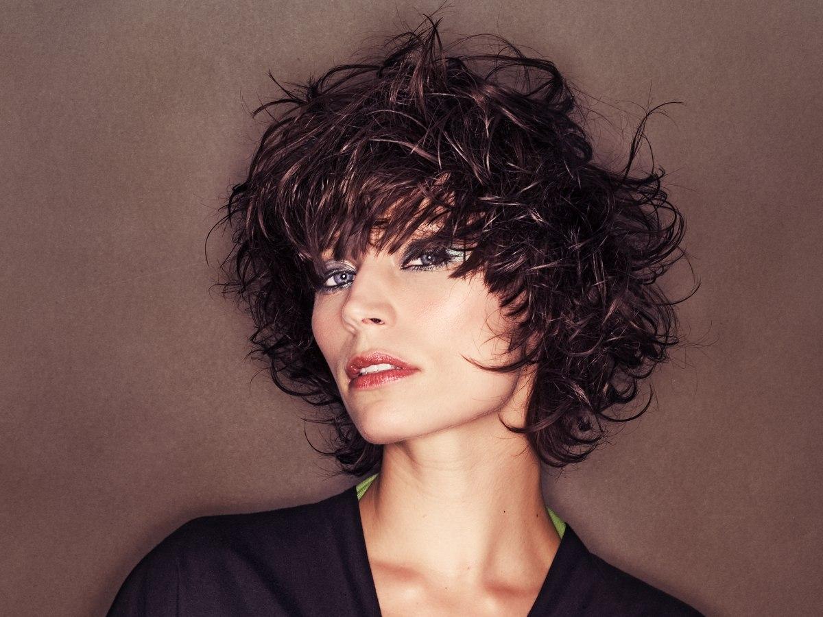 how to cut medium length hair yourself