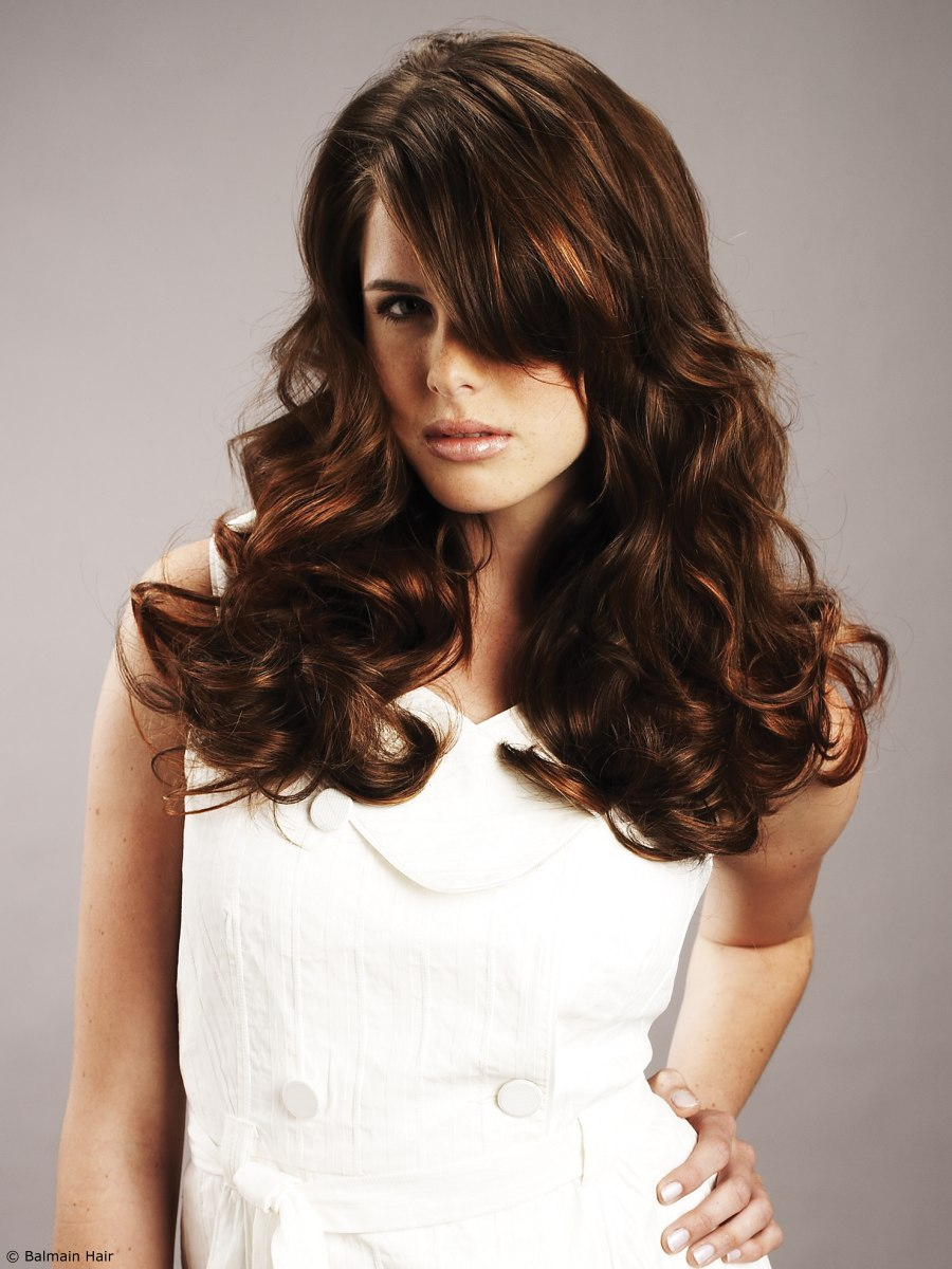 Long And Wavy Hair Extensions To Add Volume To The Hairstyle And