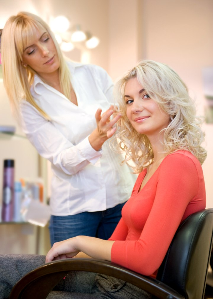 How to choose a new hair salon and the client hair - Salon relation client ...